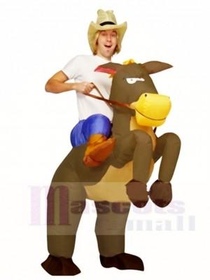 Cow-boy Cow-girl Balade sur marron Cheval Gonflable Halloween Noël Les costumes pour Adulte