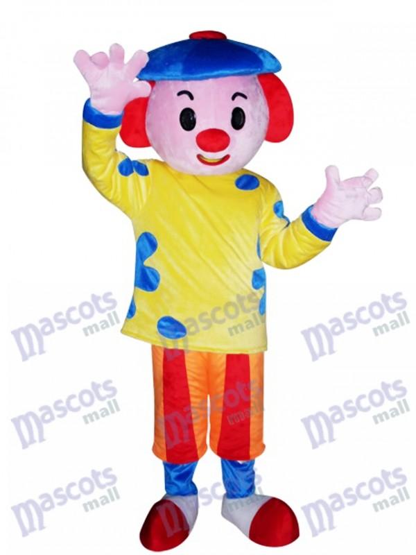 Caricature de costume de mascotte de chapeau bleu garçon