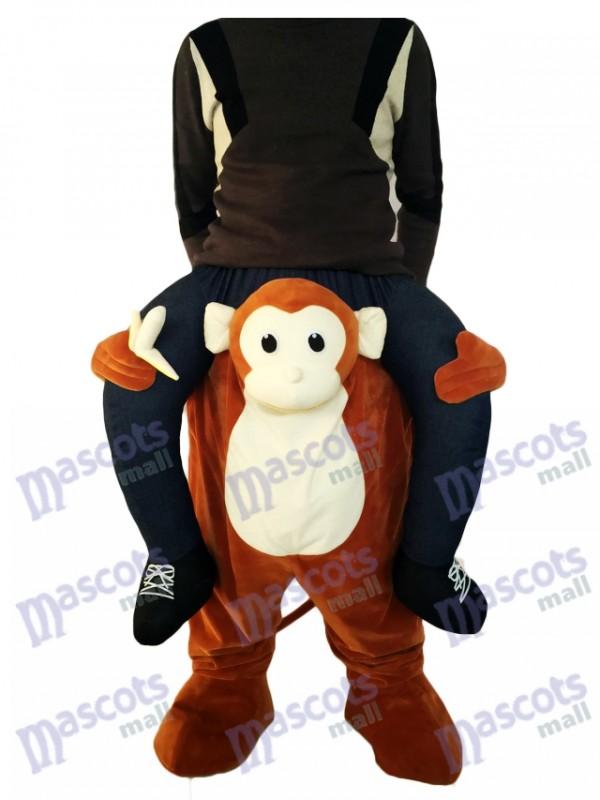 Singe Piggyback Carry Me Ride Singe brun avec un costume de mascotte de banane